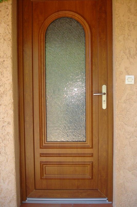 Fabrication Sur Mesure De Porte D'Entrée Classique En Pvc Sur Istres